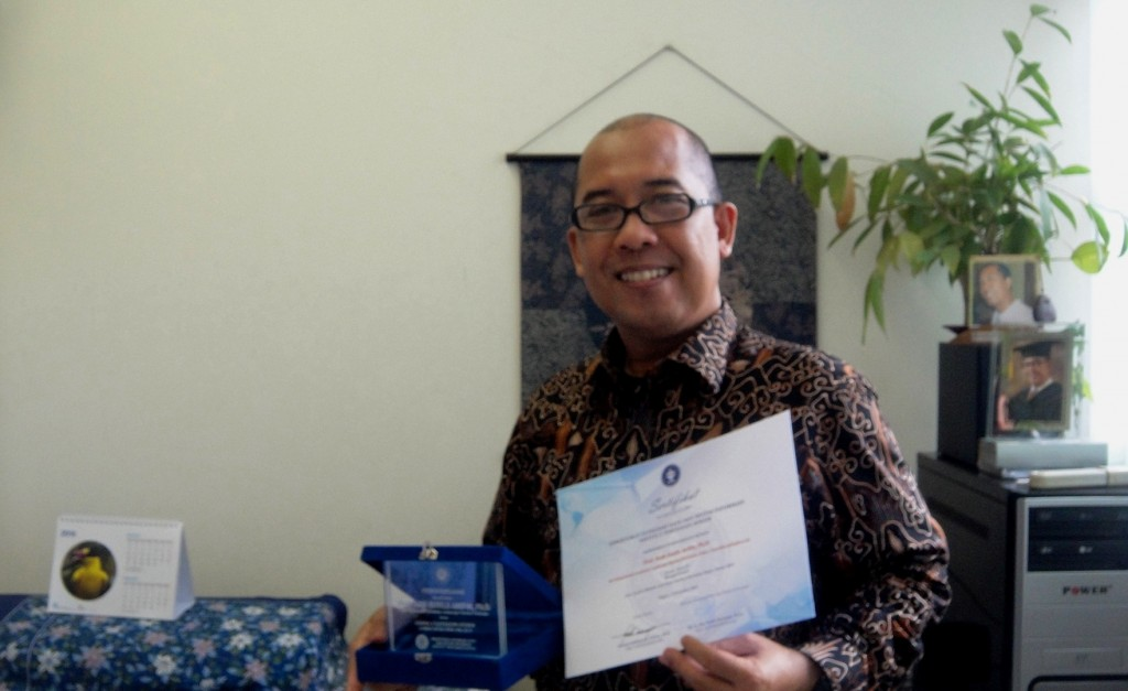 Placate & Certificate: the 2nd Prize of 2013 IPB Website Competition.