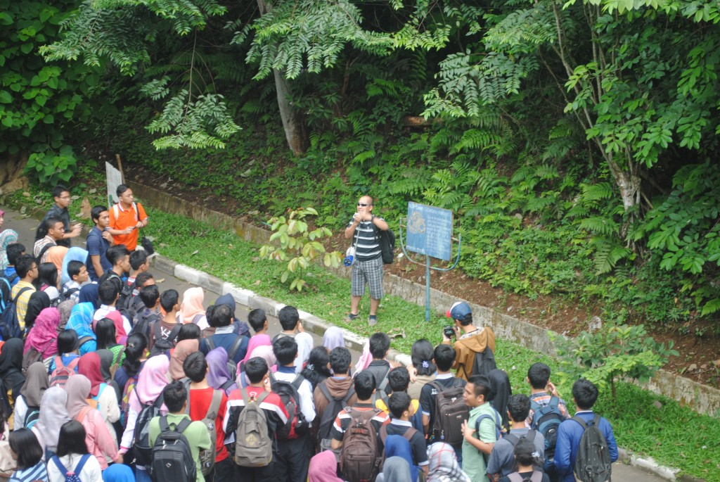 Landscape services explanation in the Arboretum of Forestry Faculty